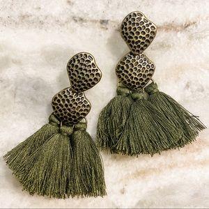 🆕 Paparazzi Green Fringe Earrings